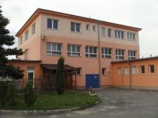 Stavba firemní budovy